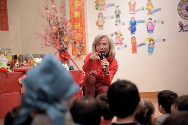 圖片: 洛杉磯靈糧兒童中心主任,李馮潔瑩姊妹